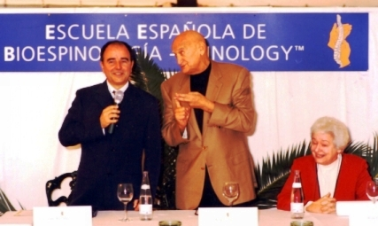 2003 XATIVA TRADUCIENDO A REGGIE GOLD