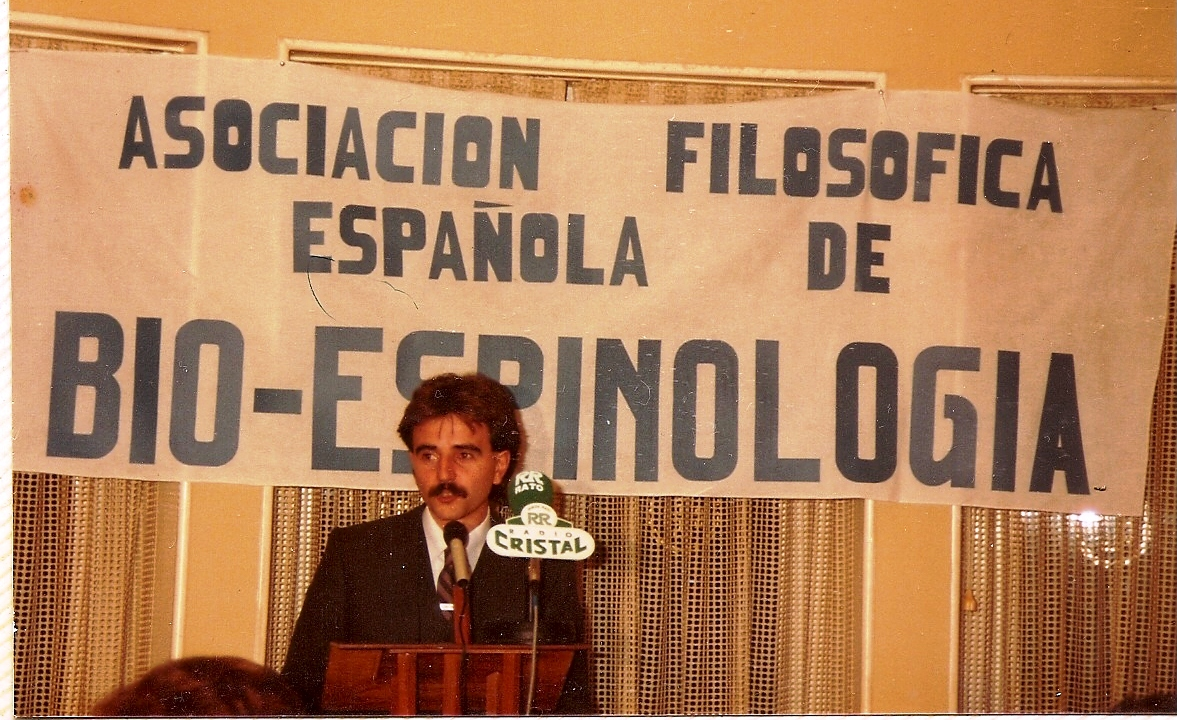 1985 ACTO DE PRESENTACION DE LA ASOCIACION DE SPINOLOGISTAS